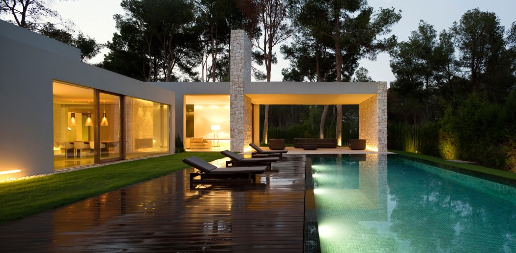 house in the forest designed by ramon esteve studio d